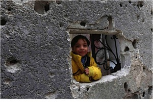 a Syrian child doing some real-life framing!